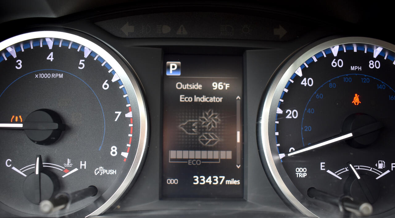 2017 Toyota Highlander LE V6 FWD (Natl)