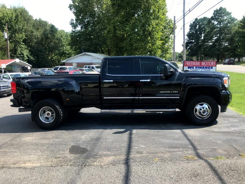"GMC 3500 Pickups Club Coupe 155.5"" 2015"