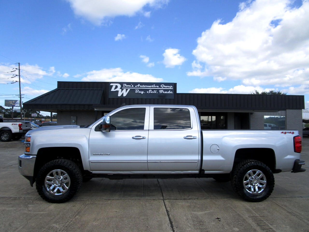 Chevrolet Silverado 2500HD Crew Cab Short Bed 4WD 2018