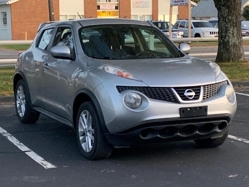 Nissan Juke S AWD 2011