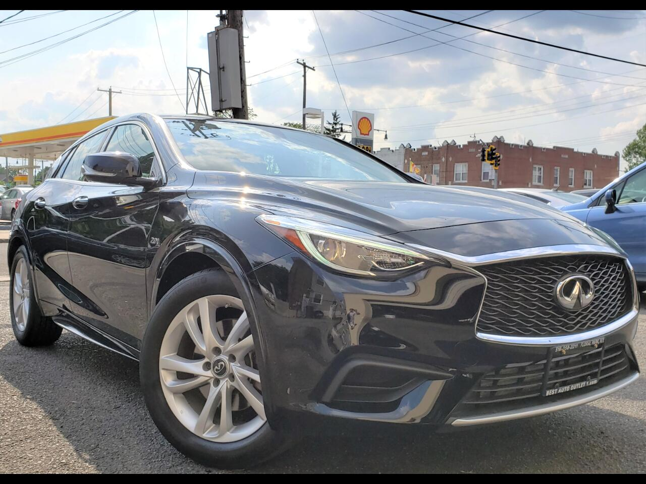 2018 Infiniti QX30 Luxury FWD