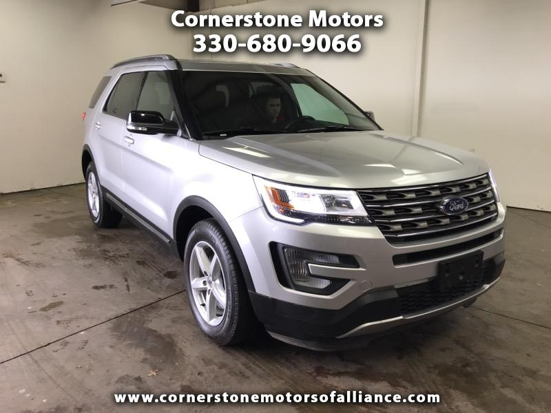 2017 Ford Explorer XLT 4X4 3RD ROW