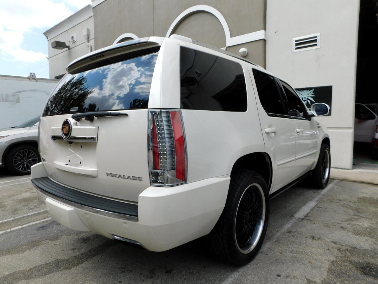 2012 Cadillac Escalade AWD Premium