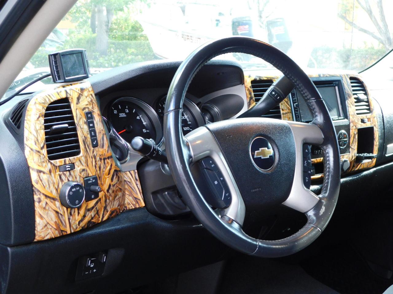 2009 Chevrolet Silverado 2500HD LT1 Crew Cab Long Box 4WD