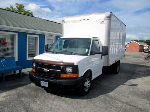 2013 Chevrolet Express G3500 15' Box Truck