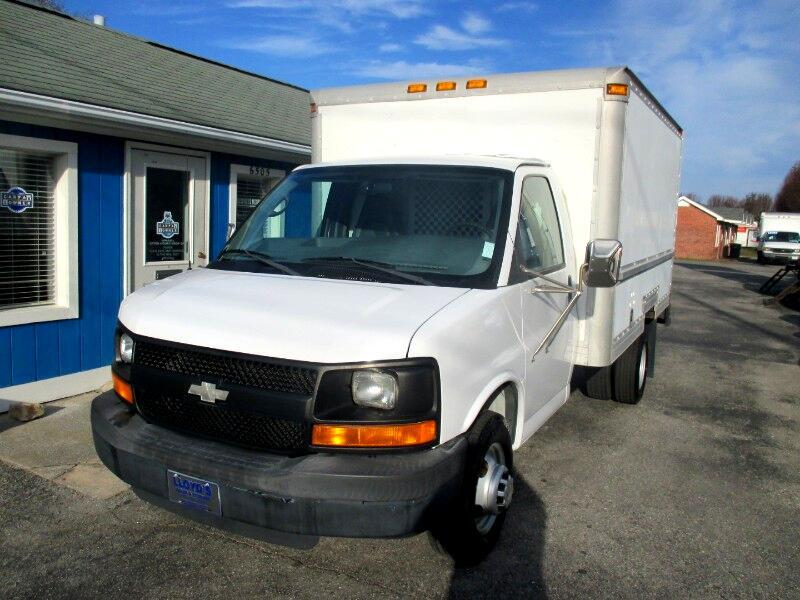 2005 Chevrolet Express G3500 12' Box Truck