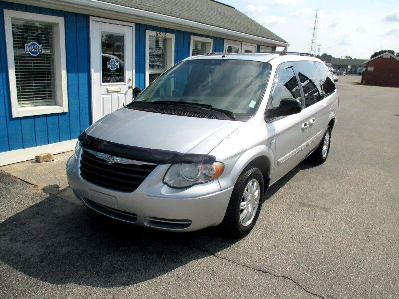 2007 Chrysler Town & Country Touring  Signature Series