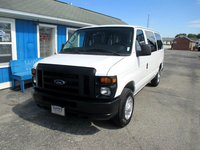 2012 Ford Econoline E-150 XL 8 Paswsenger Van