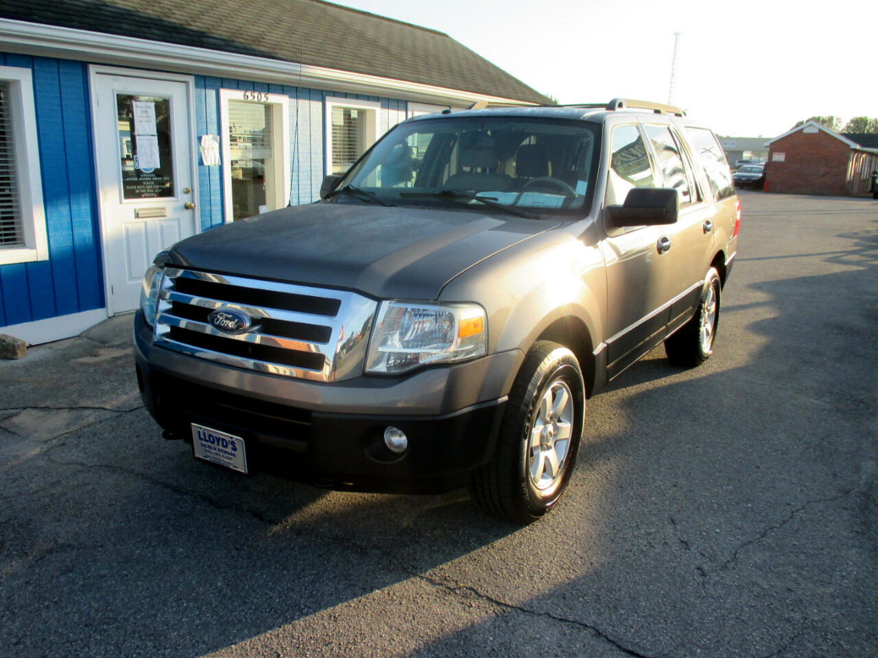 Ford Expedition 4WD 4dr XL 2013