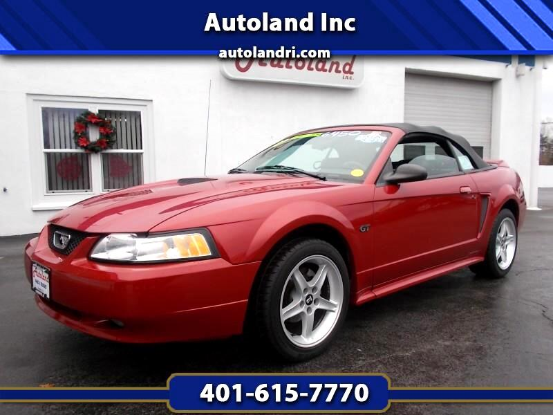 Ford Mustang GT convertible 2000