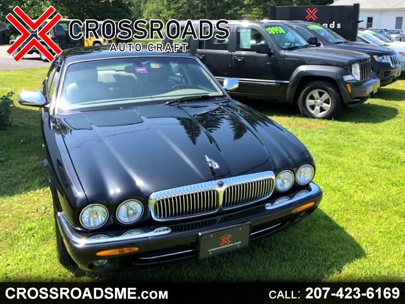 2000 Jaguar XJ Sedan Vanden Plas