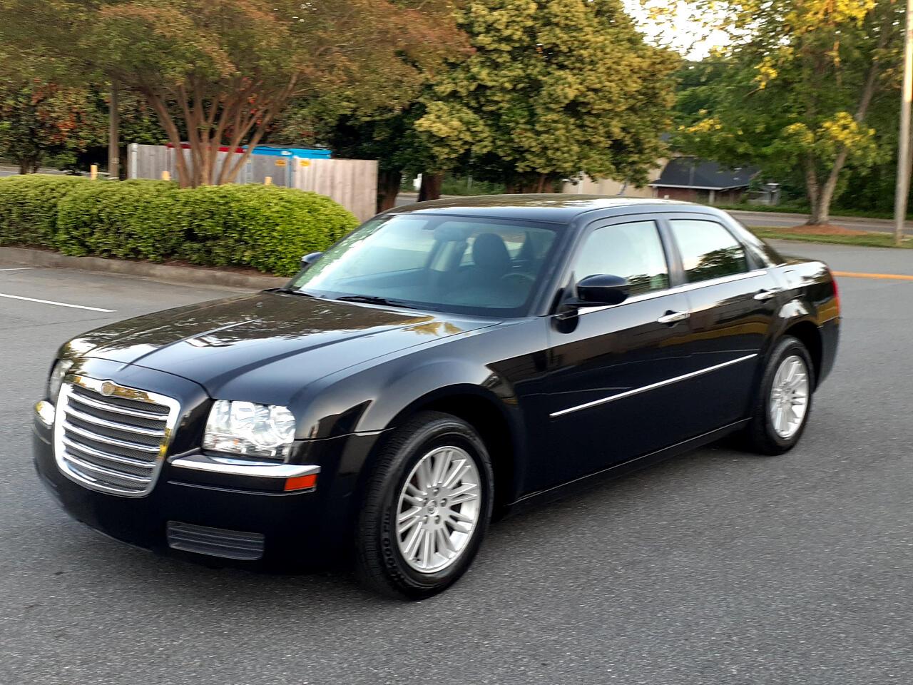 Chrysler 300 4dr Sdn 300 LX RWD 2008