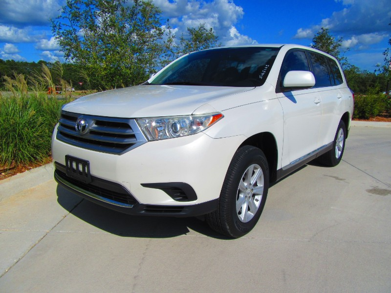 Toyota Highlander Base 2WD I4 2012