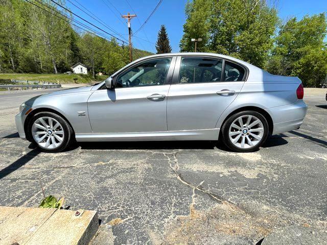 BMW 3-Series 328i xDrive SA 2011