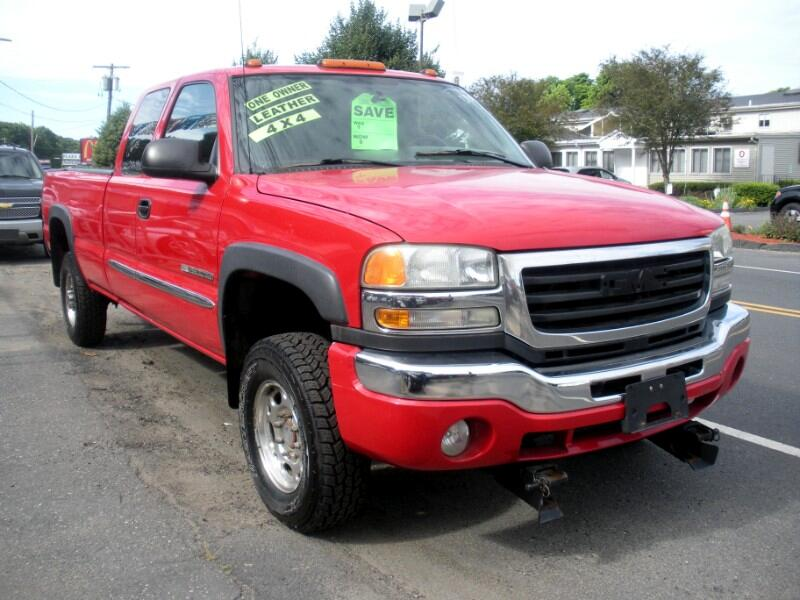 2004 GMC Sierra 2500HD SLE Ext. Cab Long Bed 4WD