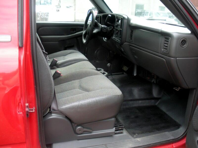 2004 Chevrolet Silverado 2500HD Work Truck Long Bed 4WD