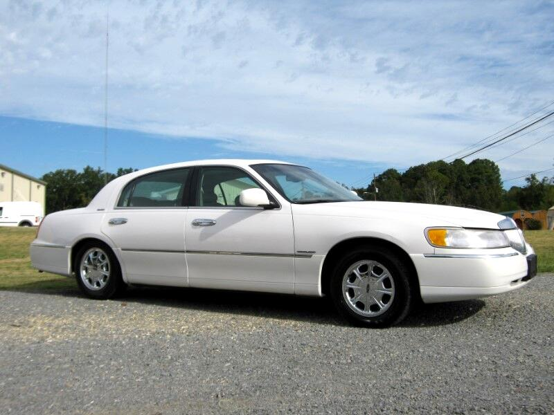 2000 Lincoln Town Car Limited