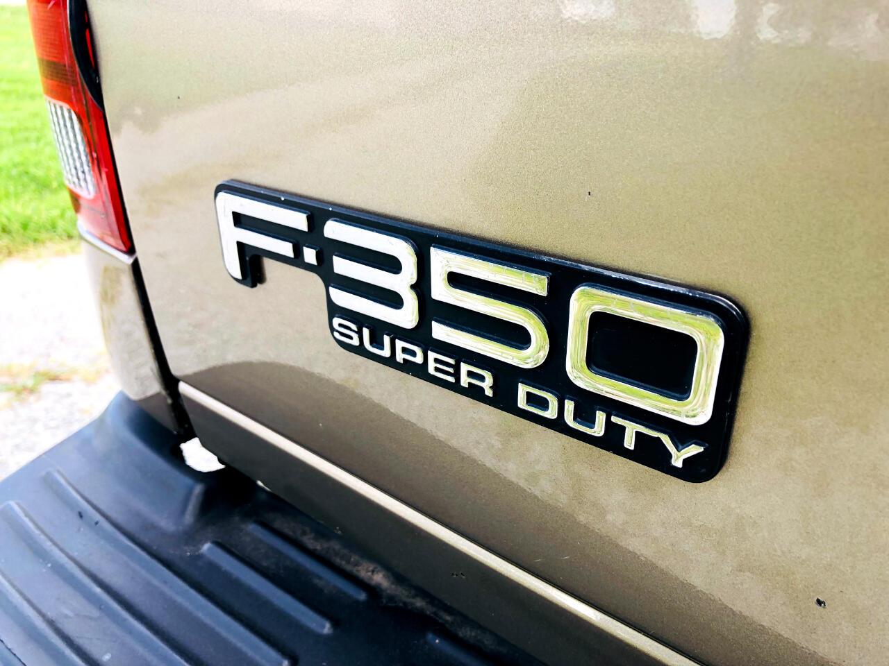 2004 Ford F-350 SD XL Crew Cab 4WD DRW