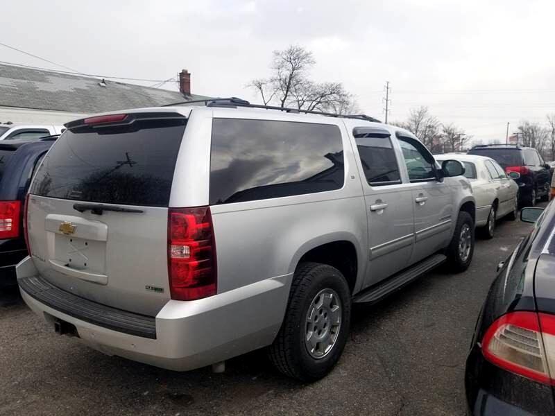 2010 Chevrolet Suburban LT 1500 2WD
