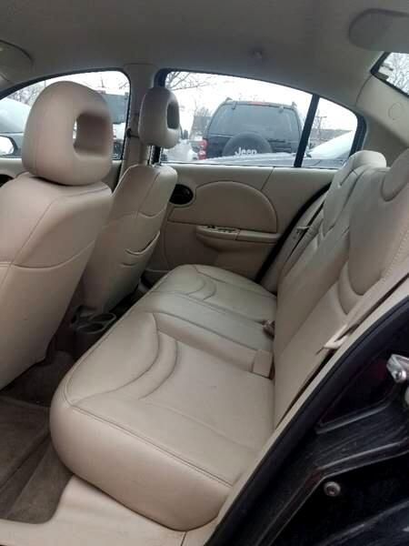 2003 Saturn ION Sedan 3