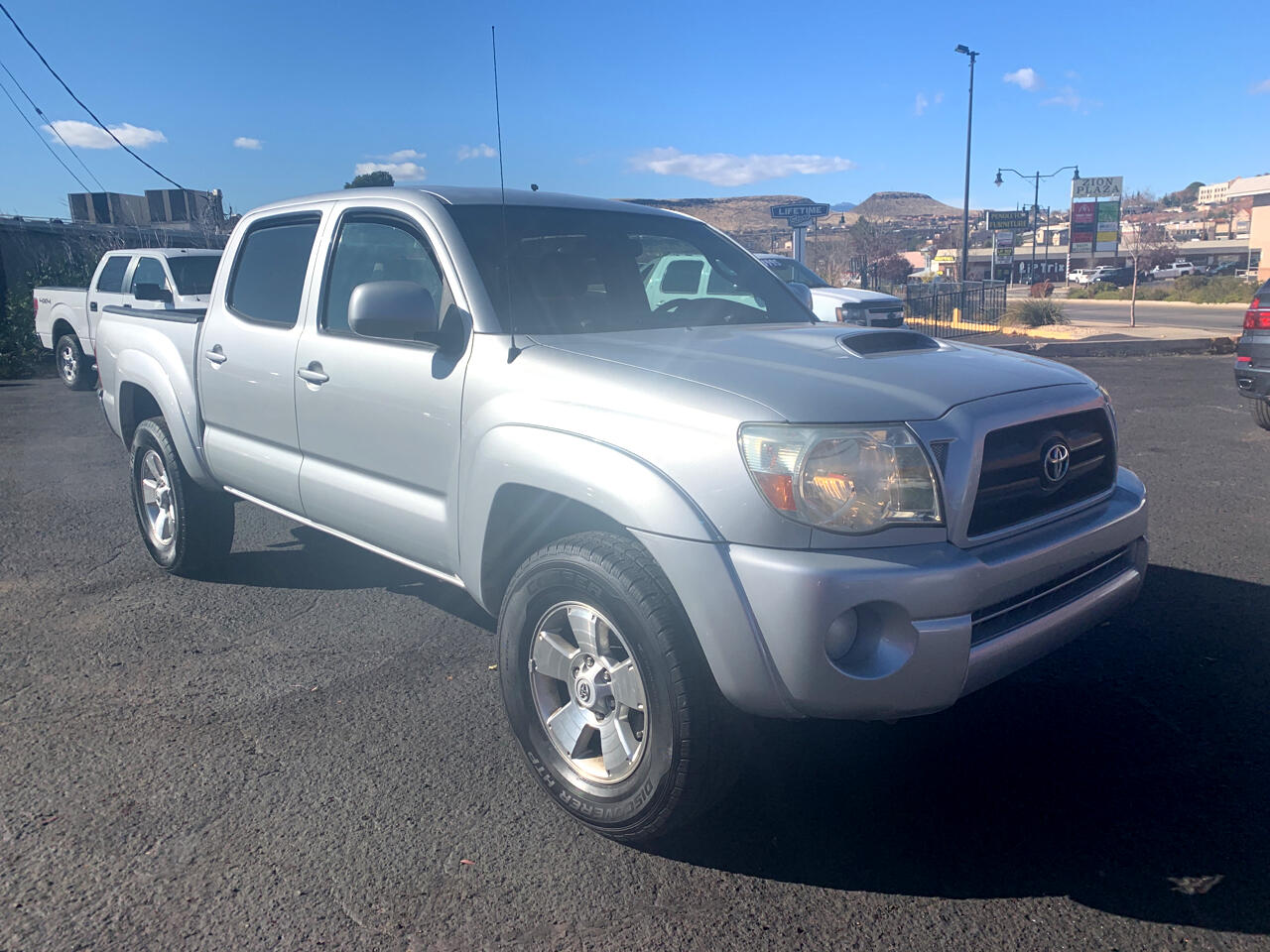 2006 Toyota Tacoma 4WD TRD Sport Double Cab 5' Bed V6 AT (Natl)