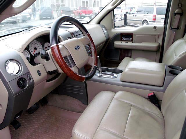 2005 Ford F-150 Lariat Pickup 4D 5 1/2 ft
