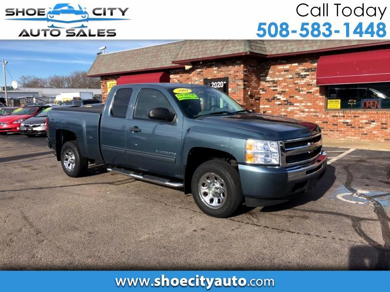 2009 Chevrolet Silverado 1500 LS Ext. Cab Short Bed 2WD