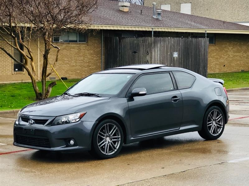 Scion tC Sports Coupe 6-Spd AT 2013