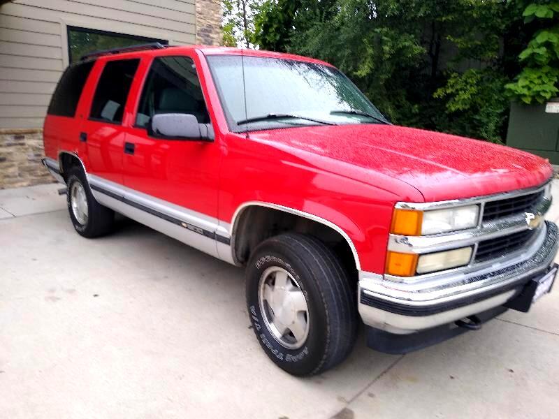 Chevrolet Tahoe 4-Door 4WD 1996