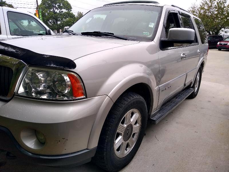 Lincoln Navigator Luxury 4WD 2003