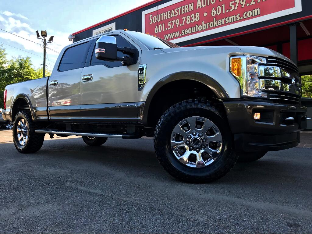 2017 Ford F-250 SD LARIAT CREW CAB SHORT BED 4WD LEVELED