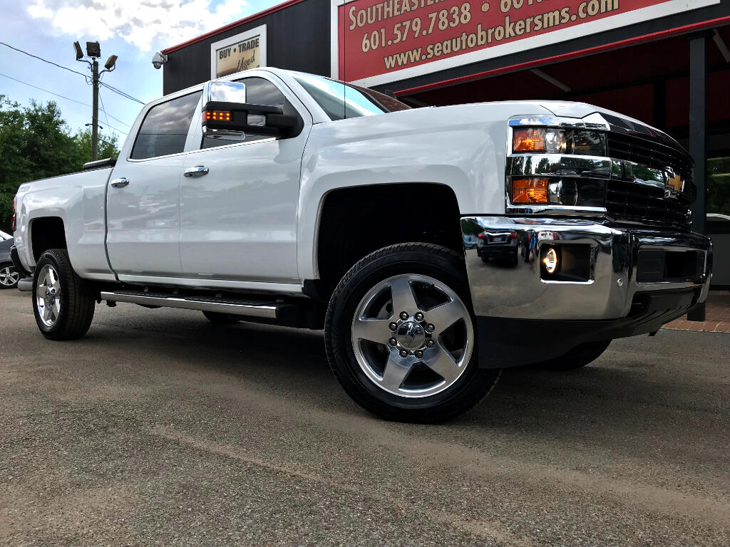 2015 Chevrolet Silverado 2500HD LTZ CREW CAB SHORT BED 4WD LEVELED