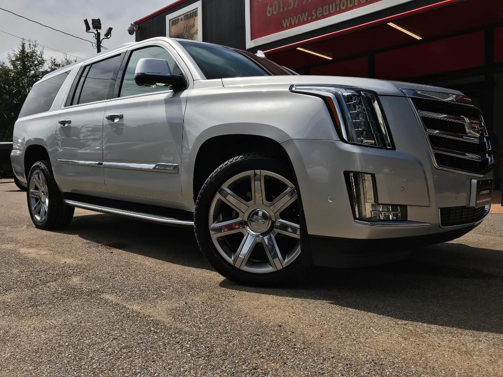 2018 Cadillac Escalade ESV 2WD Luxury