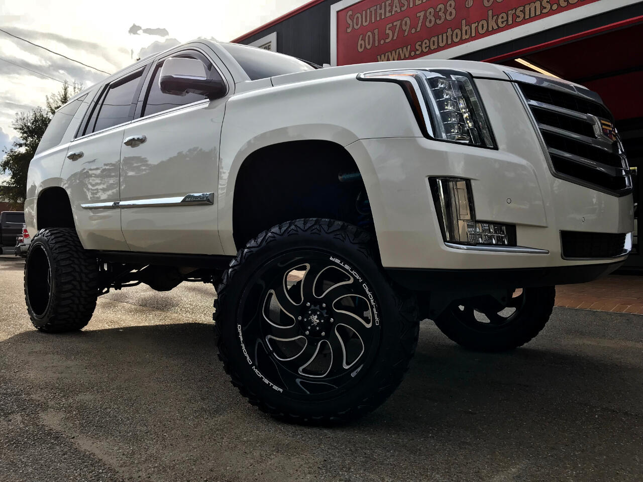 2015 Cadillac Escalade 4WD CUSTOM LIFTED