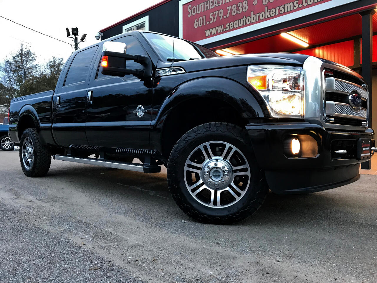 2016 Ford F-250 SD PLATINUM CREW CAB SHORT BED 4WD LEVELED