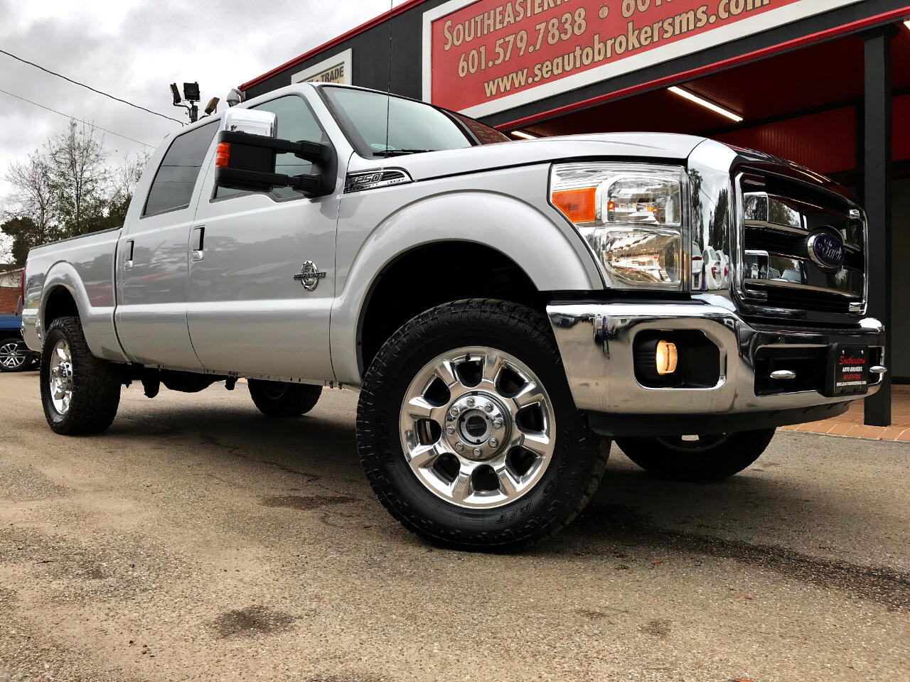 2014 Ford F-250 SD LARIAT CREW CAB SHORT BED 4WD LEVELED