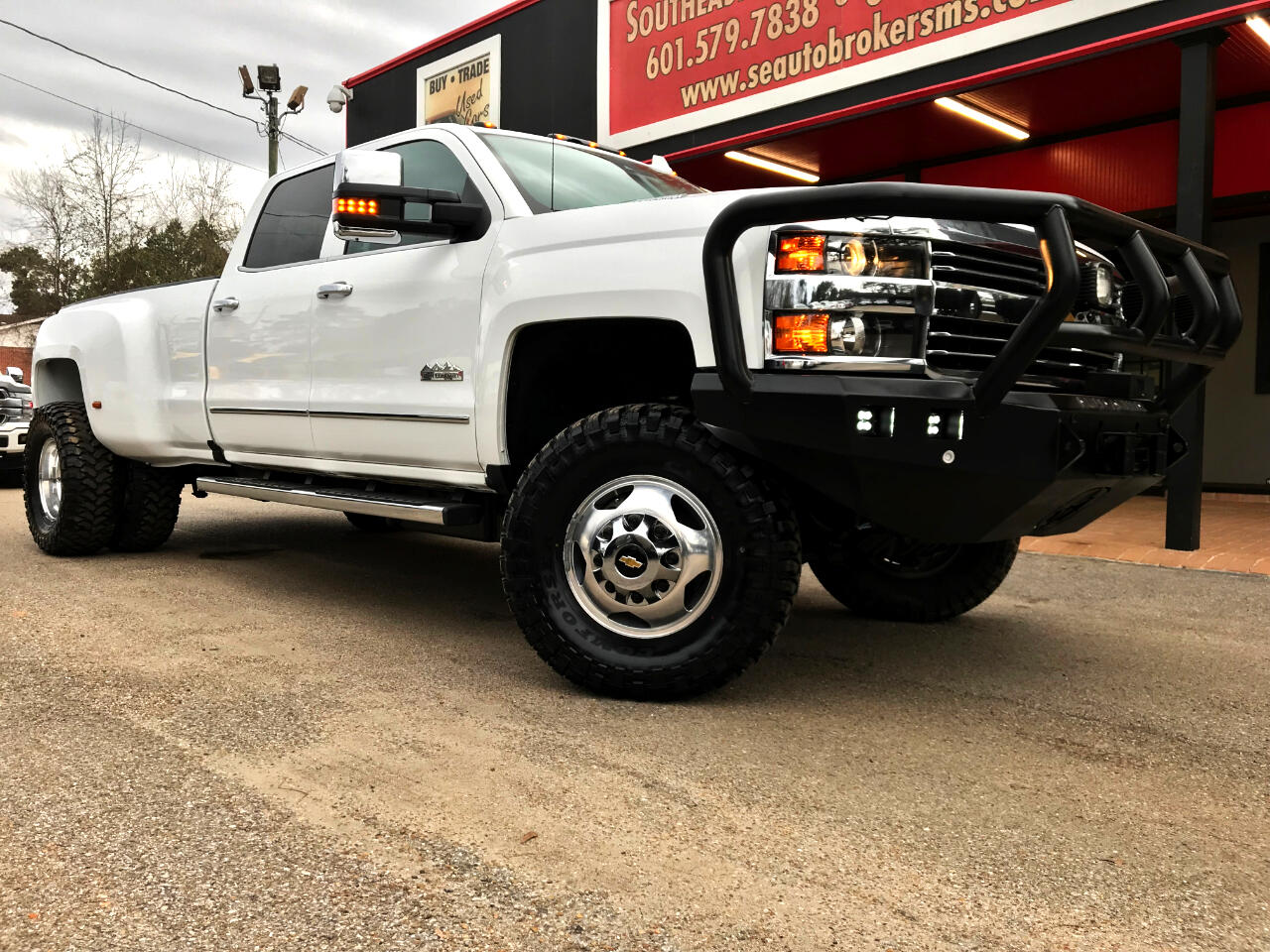 2016 Chevrolet Silverado 3500HD LTZ HIGH COUNTRY CREW CAB 4WD CUSTOM LEVELED