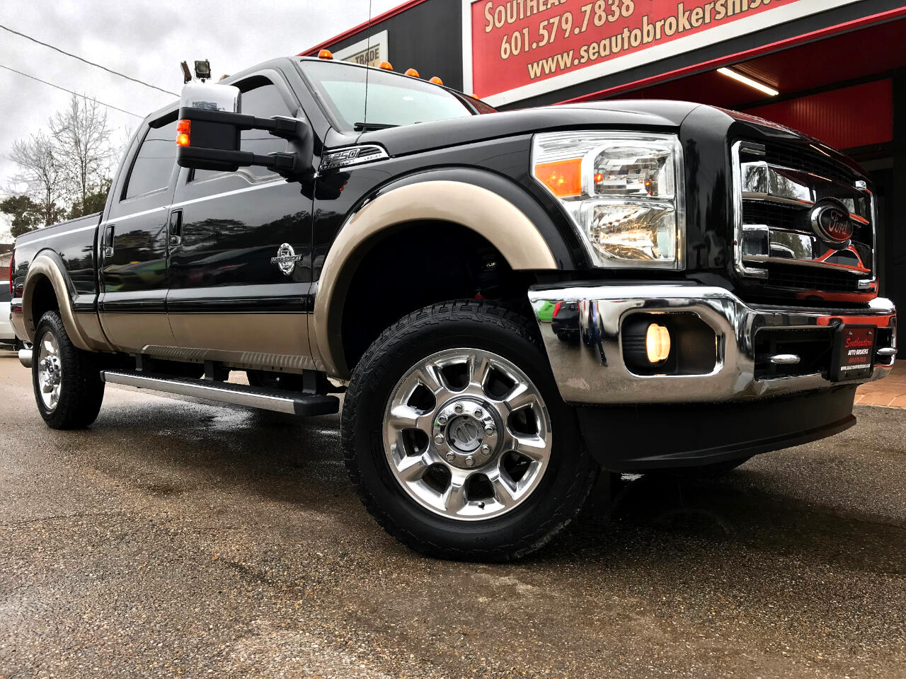 2013 Ford F-250 SD LARIAT CREW CAB SHORT BED 4WD LEVELED