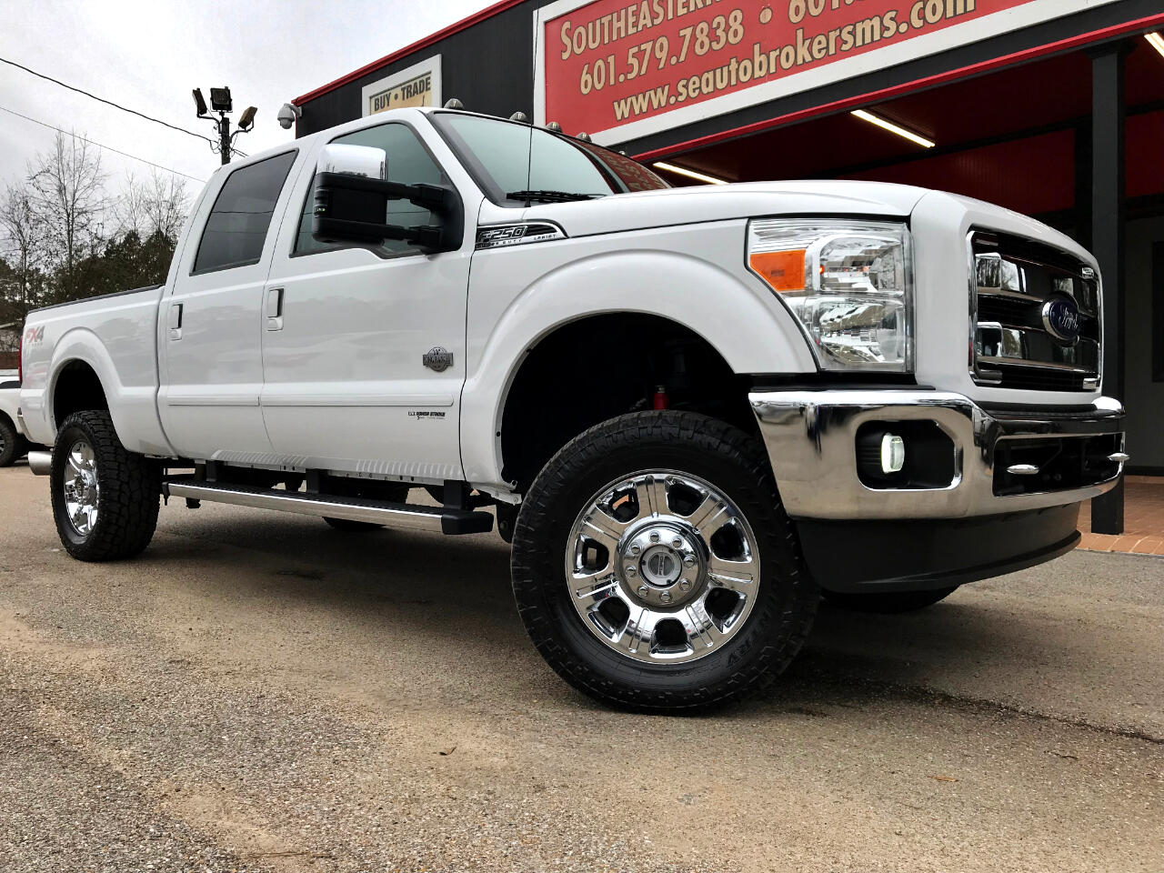 2015 Ford F-250 SD LARIAT CREW CAB SHORT BED 4WD LEVELED