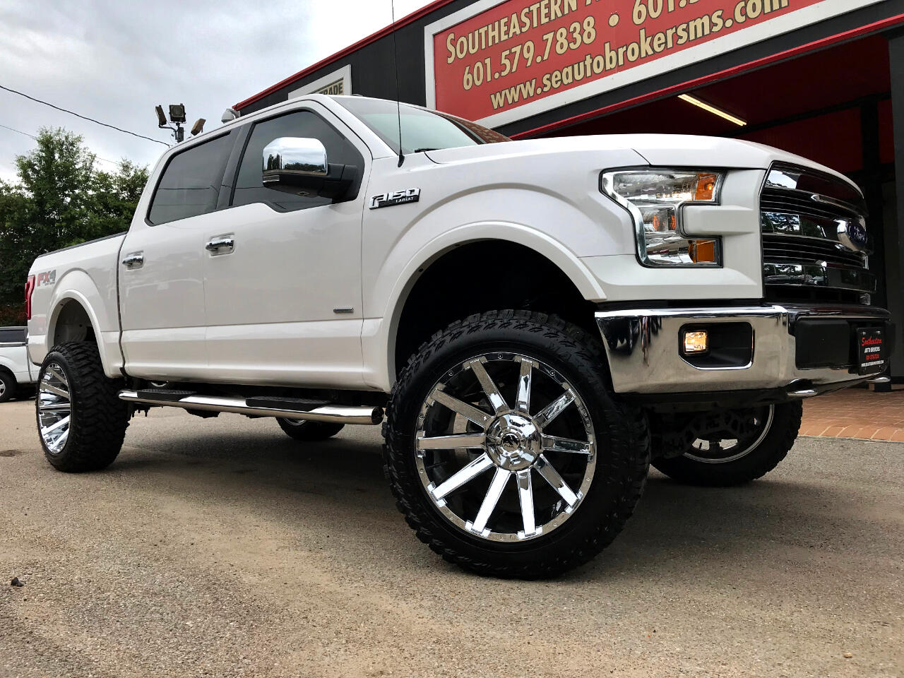 2017 Ford F-150 LARIAT CREW CAB SHORT BED 4WD CUSTOM LIFTED
