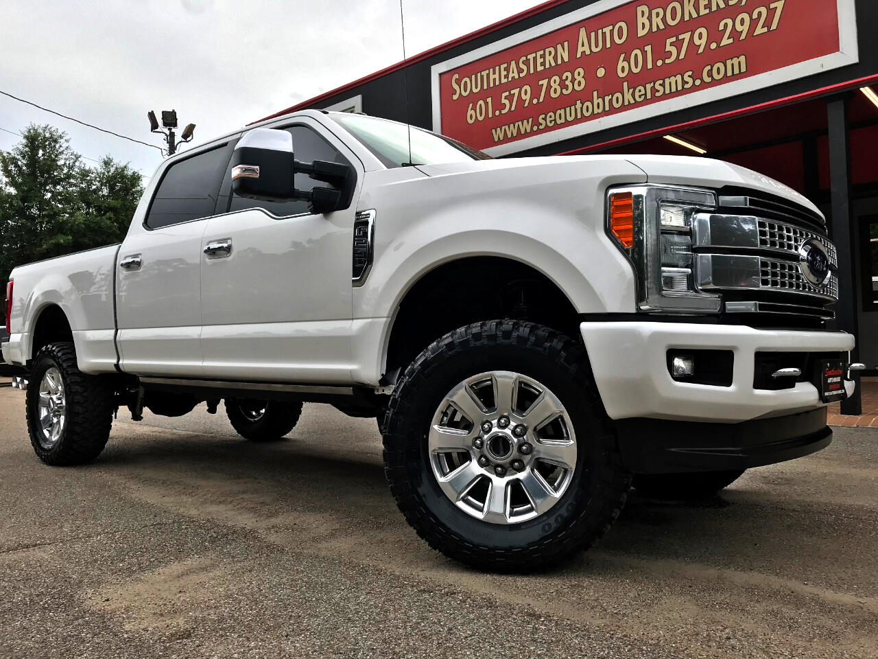 2017 Ford F-250 SD PLATINUM CREW CAB SHORT BED 4WD CUSTOM LEVELED