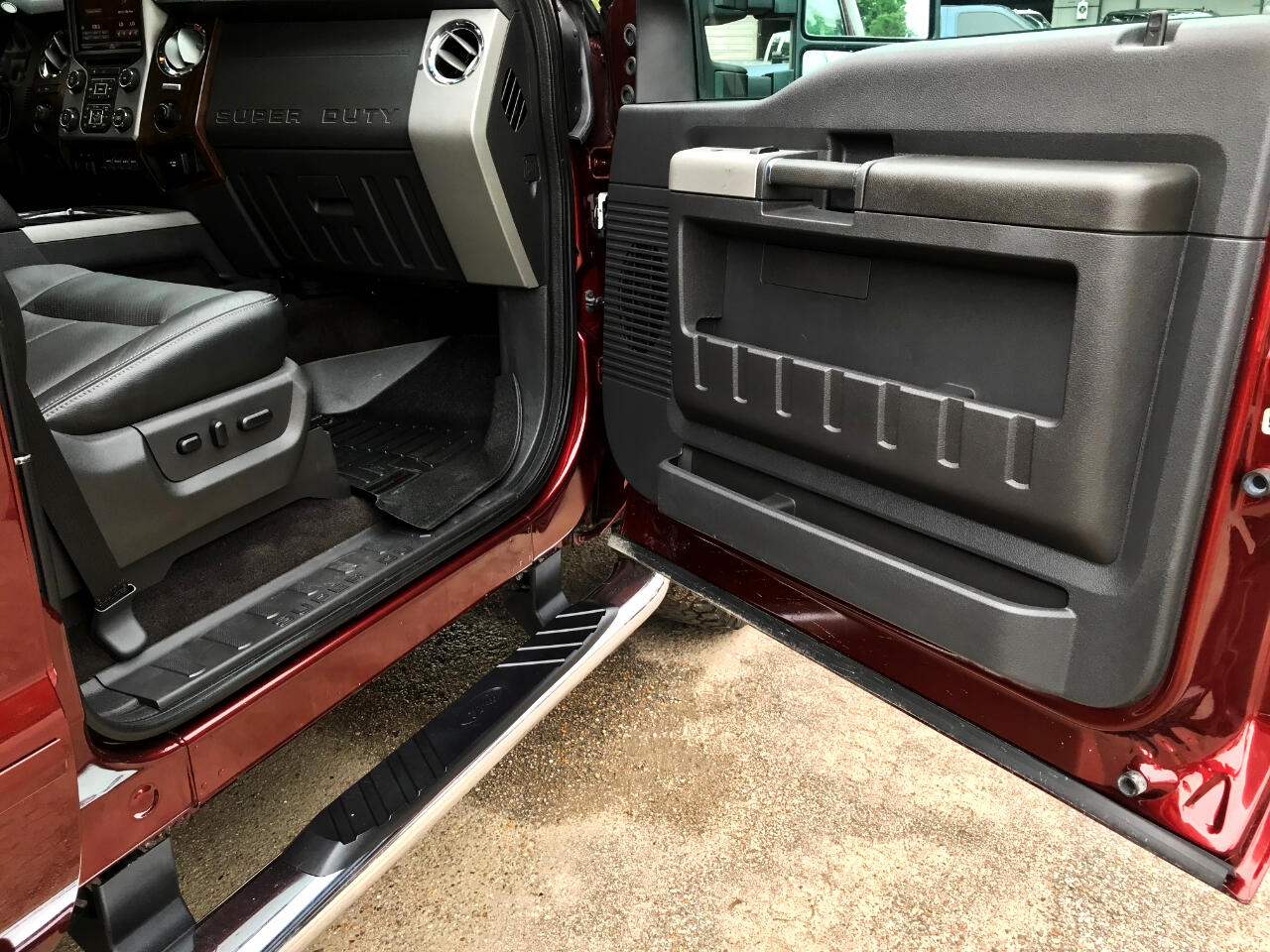 2016 Ford F-250 SD LARIAT CREW CAB SHORT BED 4WD LEVELED