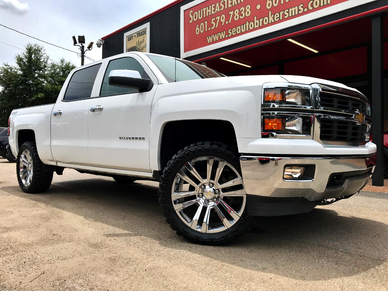 2014 Chevrolet Silverado 1500 LT CREW CAB SHORT BED 4WD CUSTOM LEVELED
