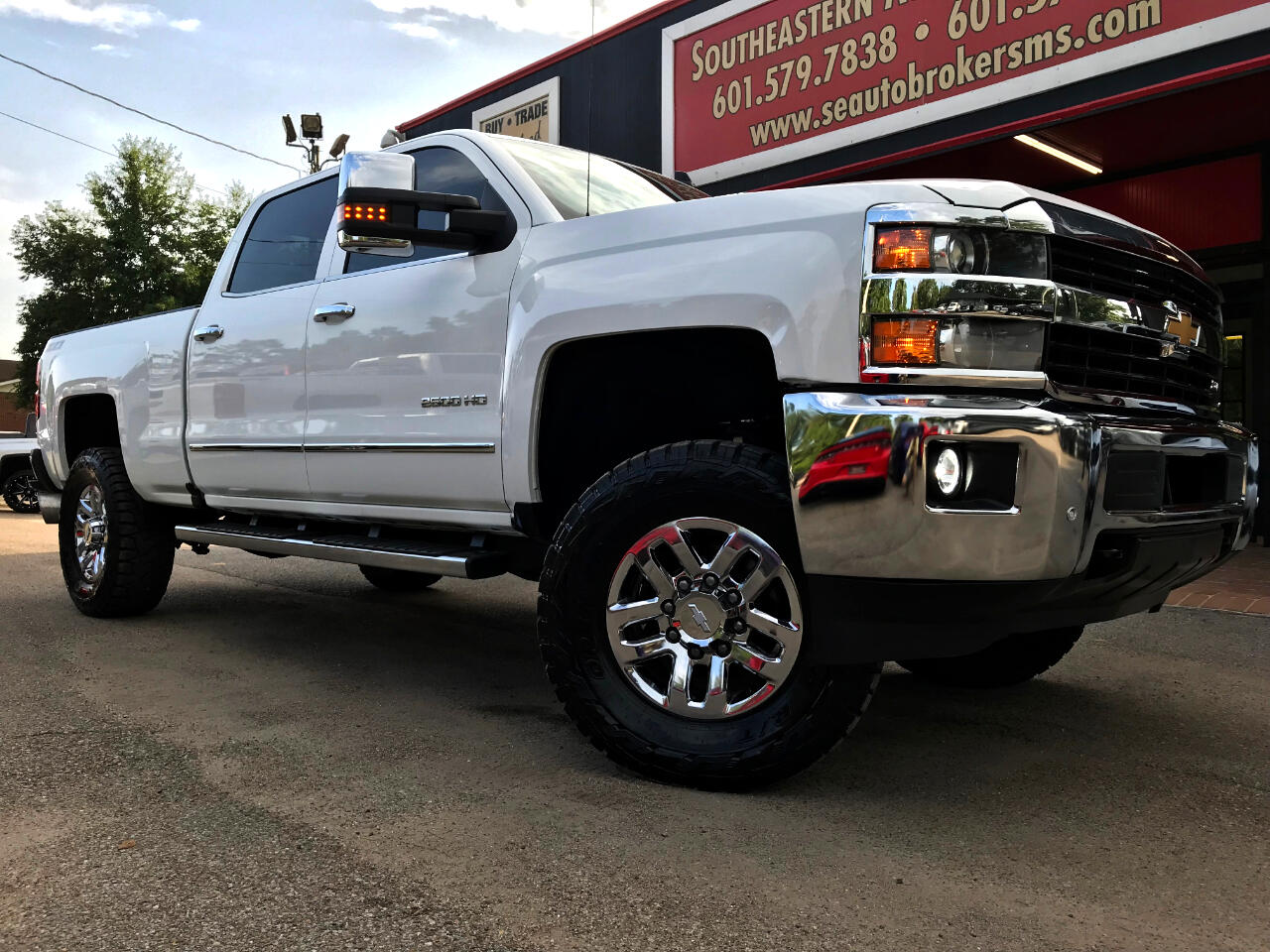 2016 Chevrolet Silverado 2500HD LTZ CREW CAB SHORT BED 4WD LEVELED