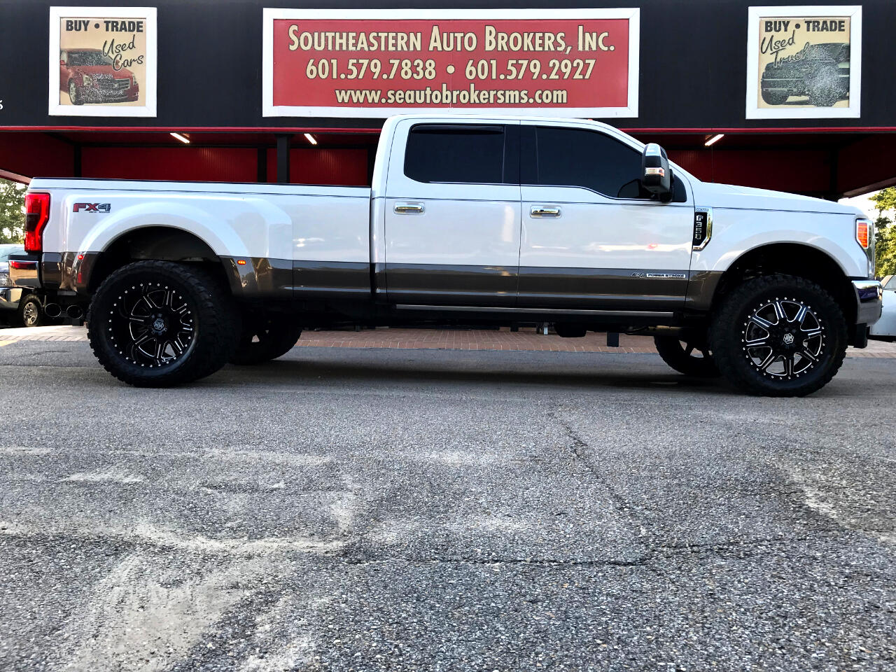 2017 Ford F-350 SD KING RANCH CREW CAB 4WD CUSTOM LEVELED