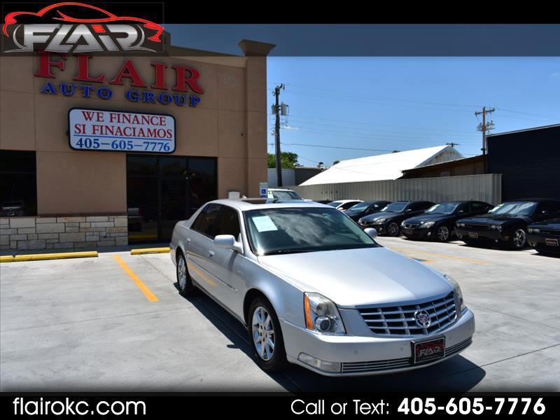 Cadillac DTS Luxury 2011