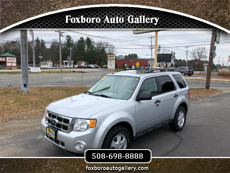 """Ford Escape 4dr 103"""" WB XLT 4WD 2011"""