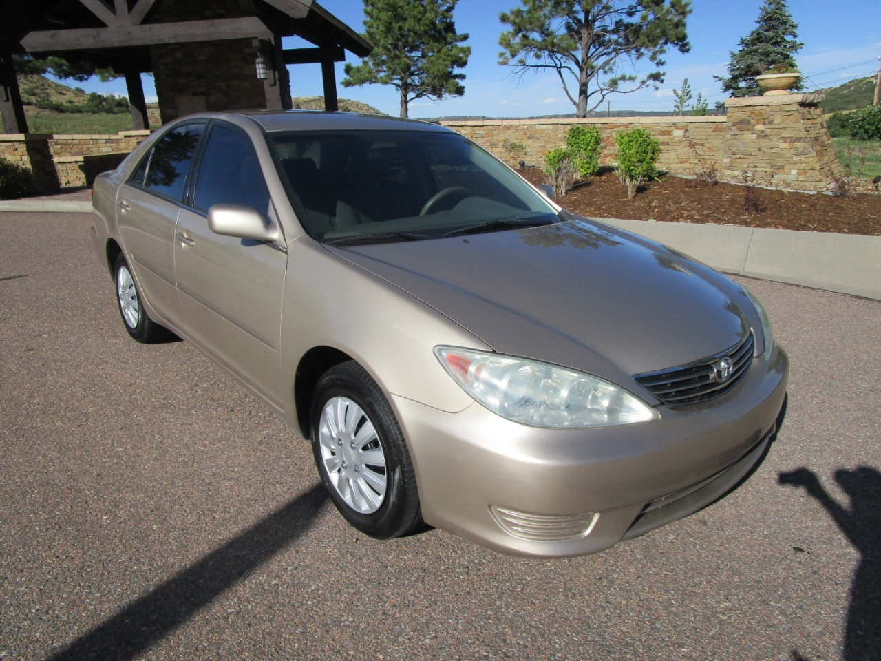 2005 Toyota Camry 4dr Sdn XLE Auto (Natl)