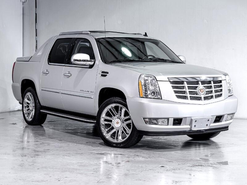 Cadillac Escalade EXT AWD 4dr Base 2013