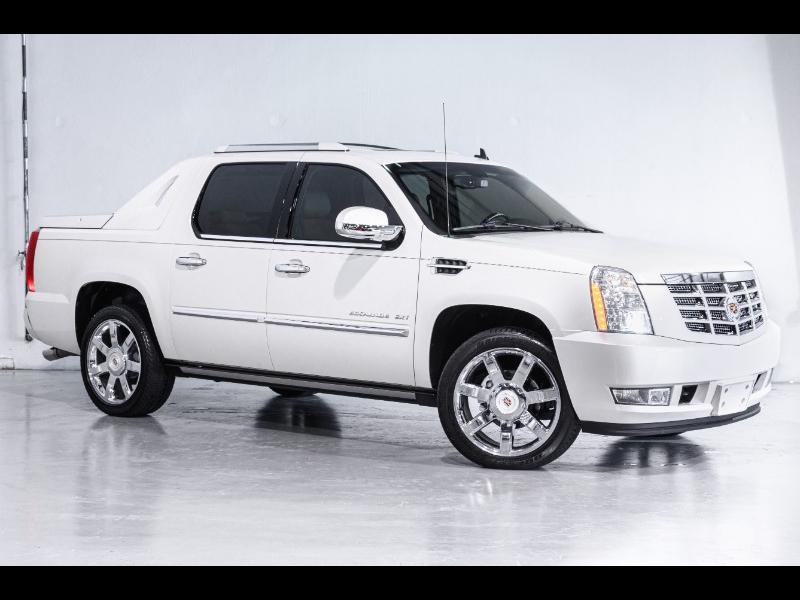 Cadillac Escalade EXT AWD 4dr Premium 2013